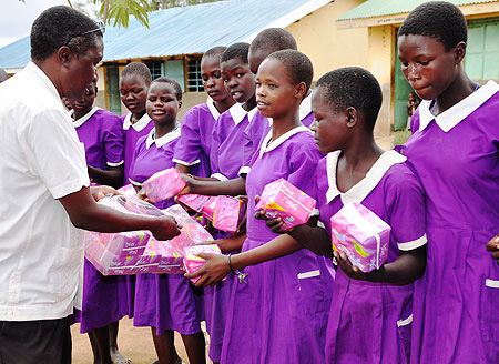 Lotome Primary school pupils receive free sanitary pads to fight absenteeism.