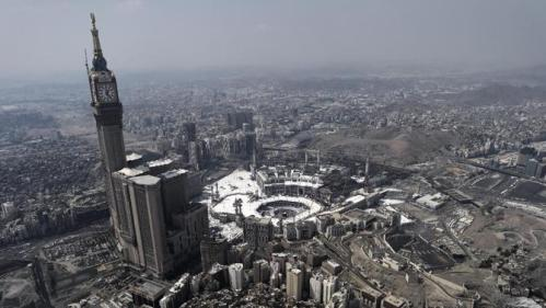 An aerial view shows the holy city of Mecca on October 5, 2014 (AFP Photo/Mohammed al-Shaikh)