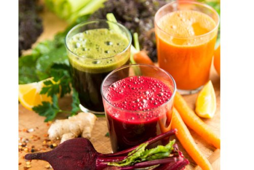 Juicing on raw vegetables and fruits provides the body with nutrients and antioxidants, which are rich sources of nutrition and therefore crucial in boosting a person's immune system. net photo