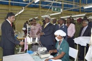 Museveni-in-apparel-factory