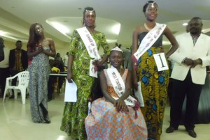 Late Miss Tourism Northern Norah Atim (C), first runner up Vivian Aciro (L) and second runner up Agnes Oryang.